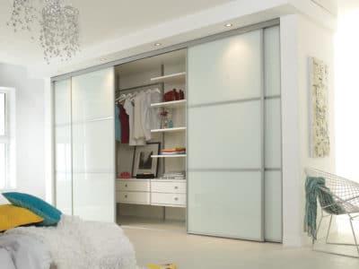 Шкаф-Купе в спальную комнату в белом цвете